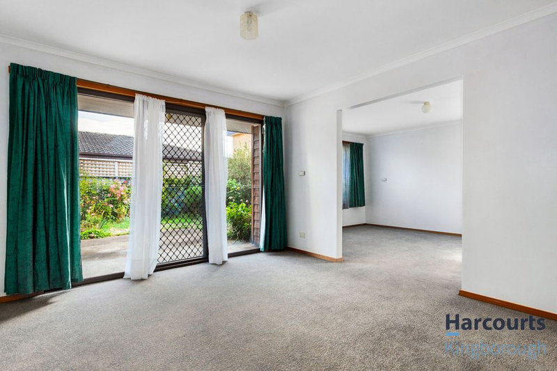 Photo - 2/11 Windsor Street, Kingston Beach TAS 7050  - Image 4