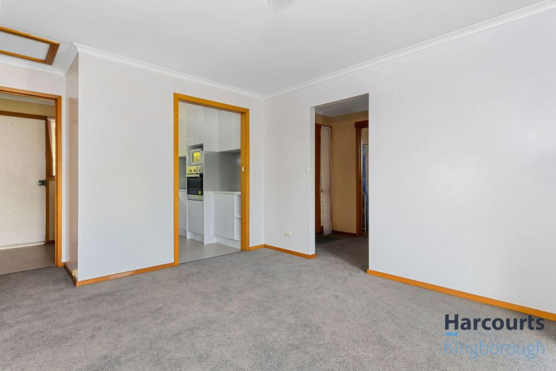 Photo - 2/11 Windsor Street, Kingston Beach TAS 7050  - Image 5