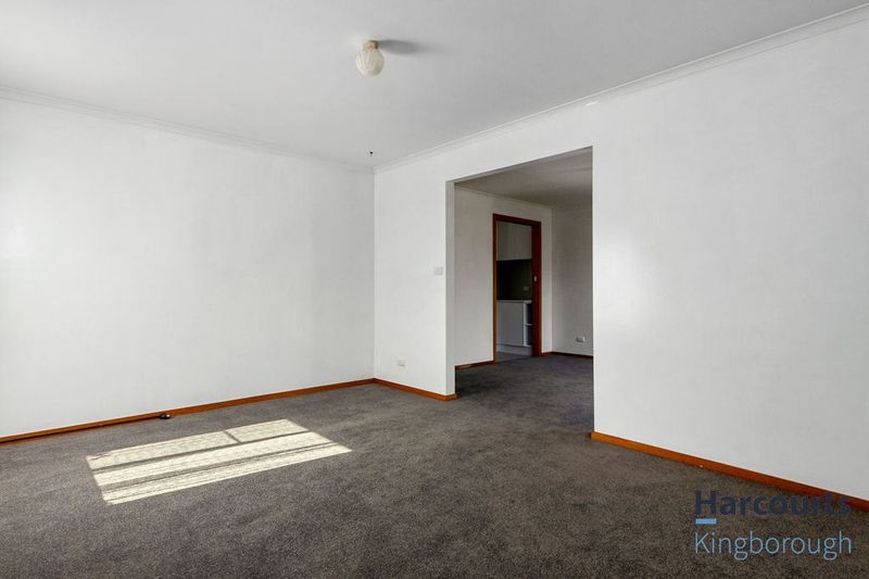 Photo - 2/11 Windsor Street, Kingston Beach TAS 7050  - Image 7