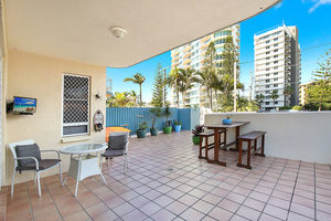 RENOVATED GROUND FLOOR APARTMENT IN THE HEART OF COTTON TREE, STEPS TO THE BEACH!