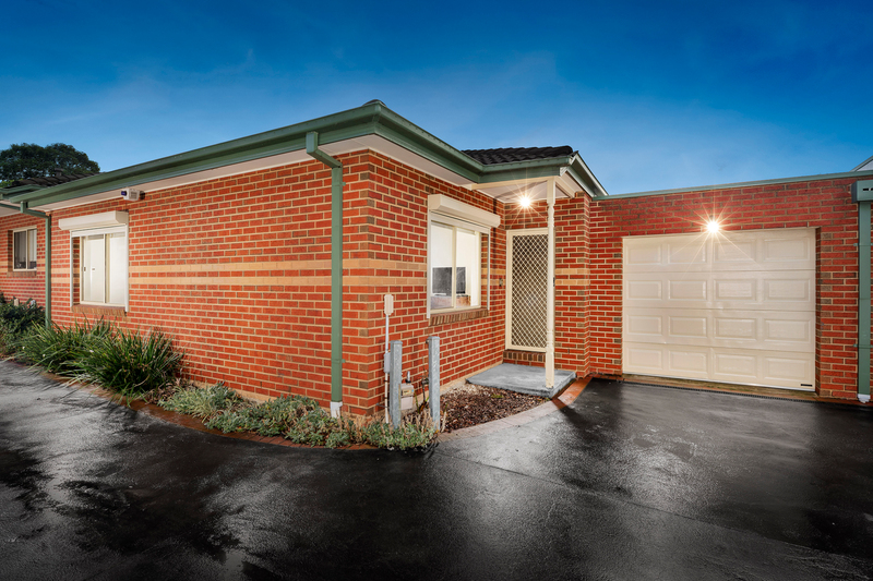 2/13 Gellibrand Crescent, Reservoir VIC 3073