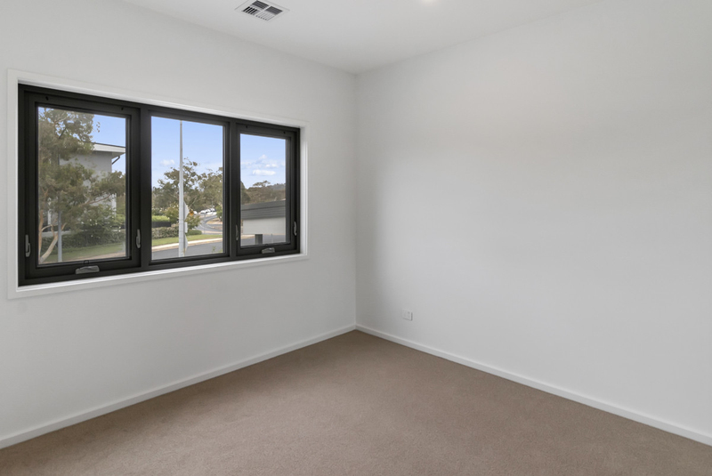 Photo - 2/18 Thring Street, Chapman ACT 2611  - Image 11
