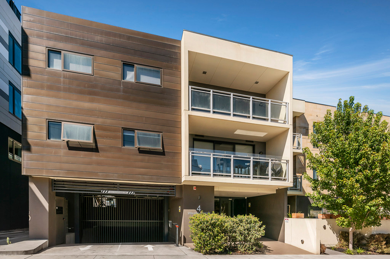 Photo - 2/2-4 William Street, Murrumbeena VIC 3163  - Image 3