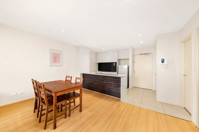 Photo - 2/2-4 William Street, Murrumbeena VIC 3163  - Image 5