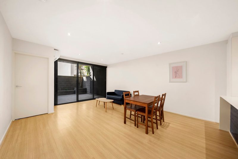 Photo - 2/2-4 William Street, Murrumbeena VIC 3163  - Image 6