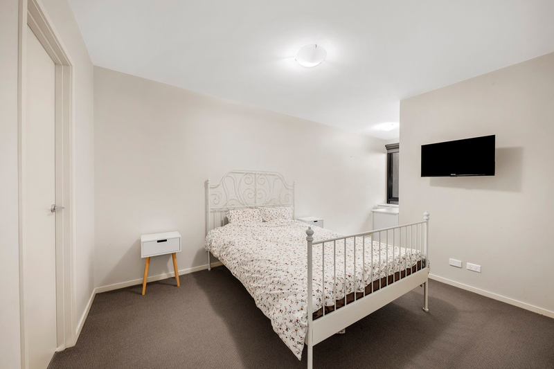 Photo - 2/2-4 William Street, Murrumbeena VIC 3163  - Image 7
