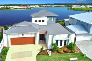 Expansive Waterfront Views in Brightwater