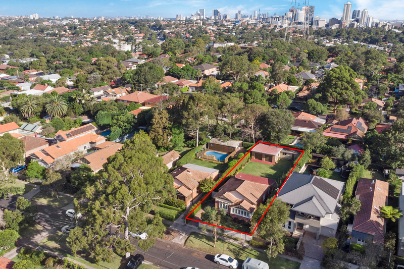 Photo - 22 Cobar Street, Willoughby NSW 2068  - Image 12