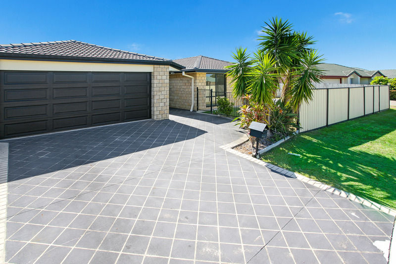 22 Tallow Court, Sandstone Point QLD 4511
