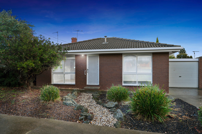 Photo - 2/23 Francis Street, Belmont VIC 3216  - Image 2