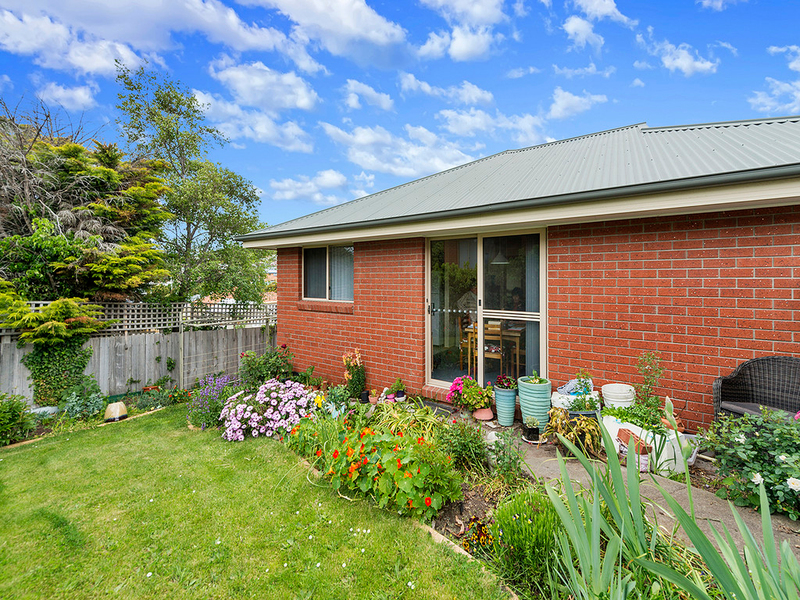 Photo - 2/25 Fourth Avenue, West Moonah TAS 7009  - Image 12