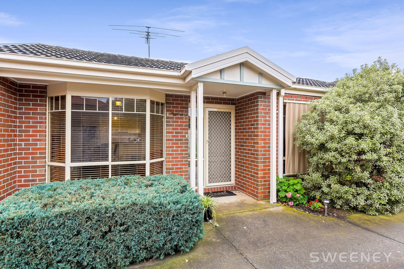 2/26 Bracken Grove, Altona VIC 3018