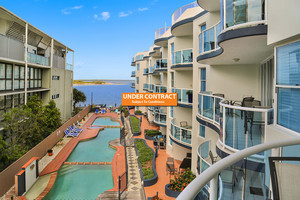 Absolute Waterfront - Watermark Apartments