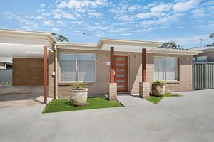 Stand-a-Lone Single Level 3 Bed Villa in Petrie, Close to Everything