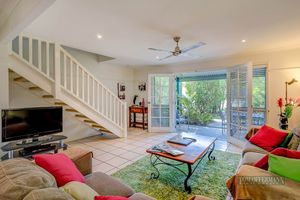 Spacious Townhouse In Noosaville