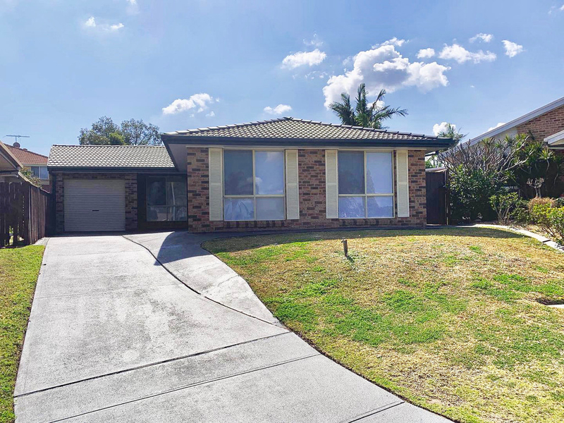 23 Arnold Avenue, Green Valley NSW 2168