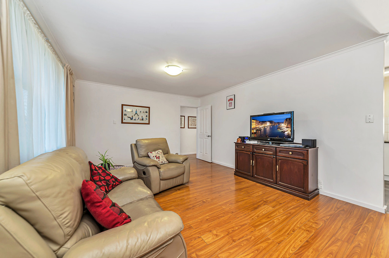 Photo - 23 Boronia Crescent, Karabar NSW 2620  - Image 7