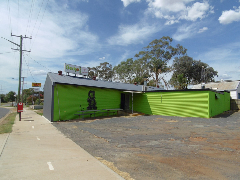 23 Forbes Rd Parkes NSW 2870