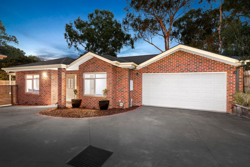 Photo - 2/31 Cherry Street, Macleod VIC 3085  - Image 1