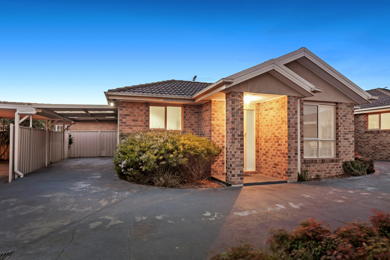 2/32 St Vigeons Road, Reservoir VIC 3073