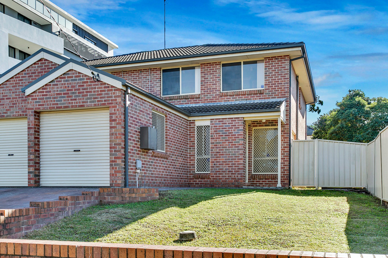 Photo - 2/33 Barber Avenue, Penrith NSW 2750  - Image 1
