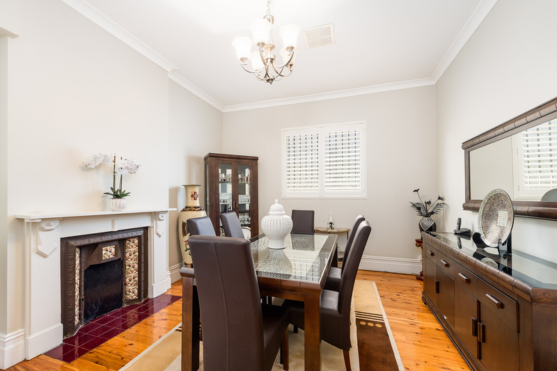 Photo - 24 Cannon Street, Stanmore NSW 2048  - Image 2