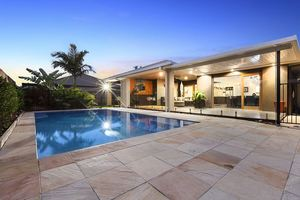 Expansive Living in Brightwater on 700m2