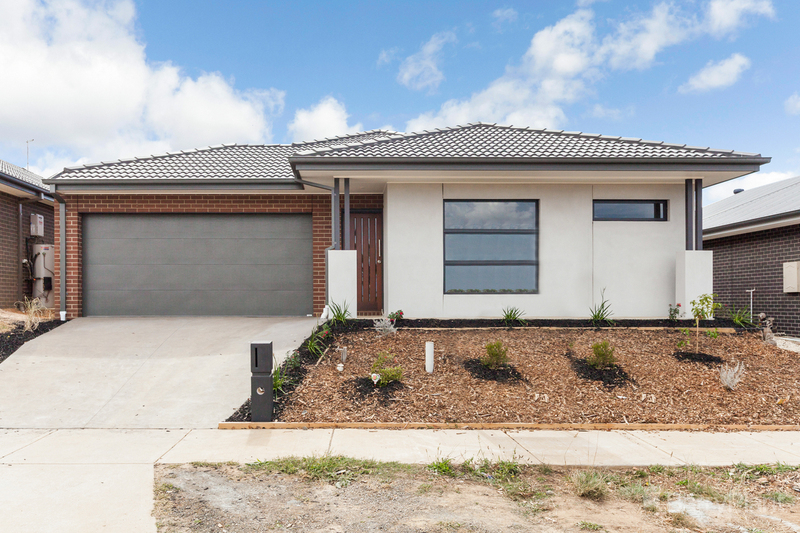 24 Periwinkle Crescent, Wallan VIC 3756