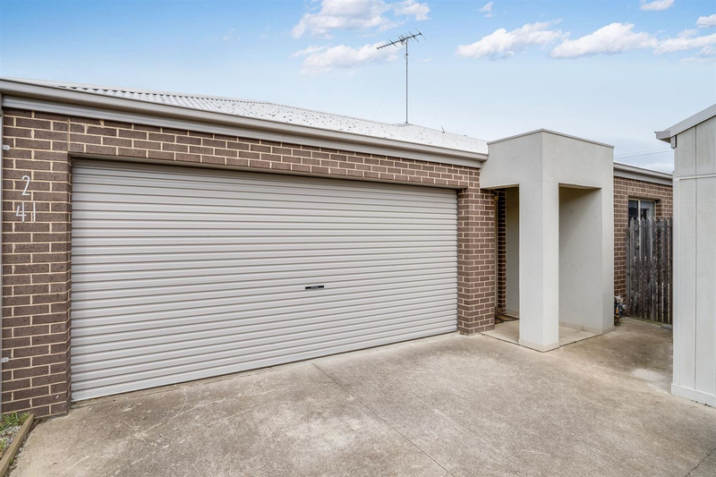 2/41 Wilsons Road, Newcomb VIC 3219