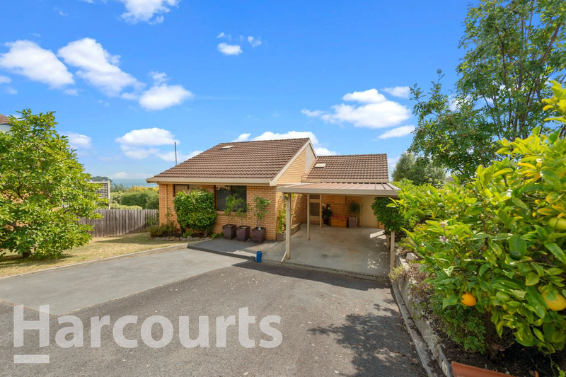 Photo - 2/469 Oceana Drive, Howrah TAS 7018  - Image 2