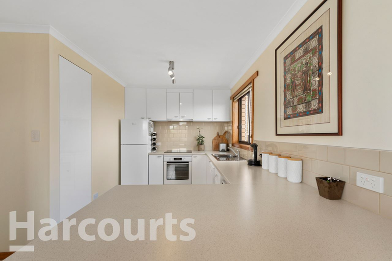 Photo - 2/469 Oceana Drive, Howrah TAS 7018  - Image 3