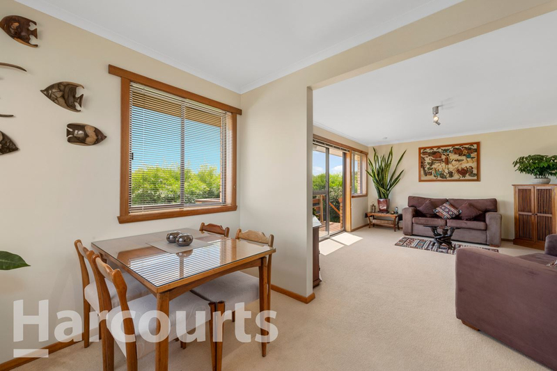 Photo - 2/469 Oceana Drive, Howrah TAS 7018  - Image 6