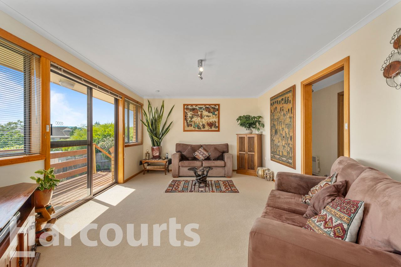 Photo - 2/469 Oceana Drive, Howrah TAS 7018  - Image 7