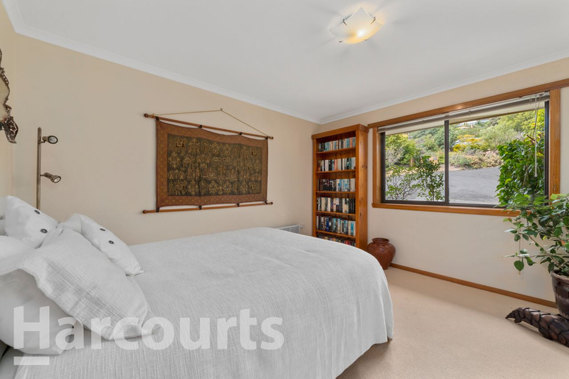 Photo - 2/469 Oceana Drive, Howrah TAS 7018  - Image 11