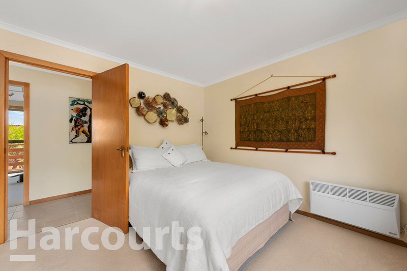 Photo - 2/469 Oceana Drive, Howrah TAS 7018  - Image 12