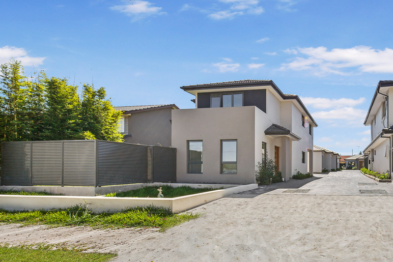2/5 Faulds Road, Guildford West NSW 2161