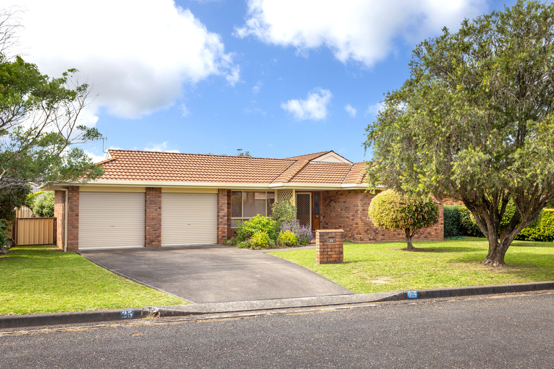 25 Joel Drive, Old Bar NSW 2430