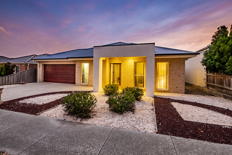 Photo - 25 Yammerbook Way, Cranbourne East VIC 3977  - Image 1