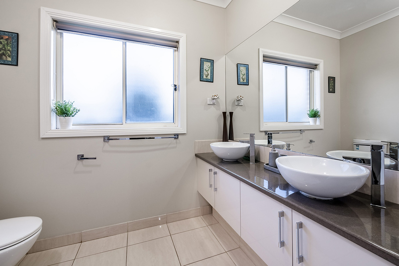Photo - 25 Yammerbook Way, Cranbourne East VIC 3977  - Image 3