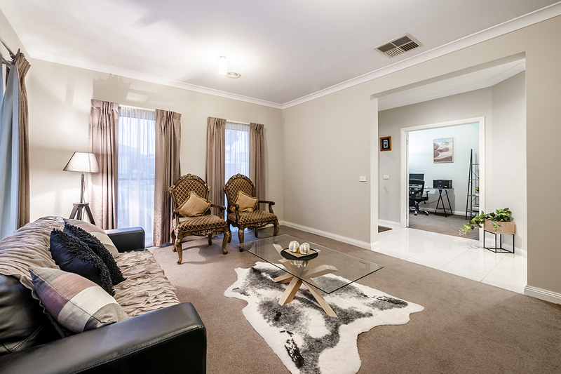 Photo - 25 Yammerbook Way, Cranbourne East VIC 3977  - Image 5