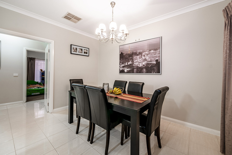 Photo - 25 Yammerbook Way, Cranbourne East VIC 3977  - Image 11