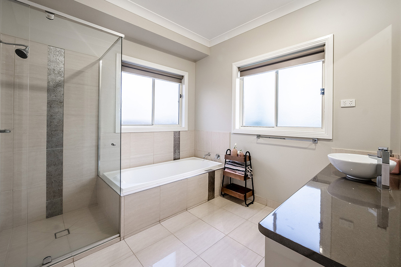 Photo - 25 Yammerbook Way, Cranbourne East VIC 3977  - Image 15