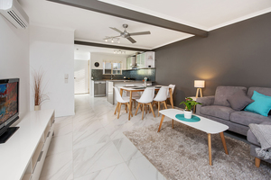 Recently renovated townhouse - 250m to Noosa River