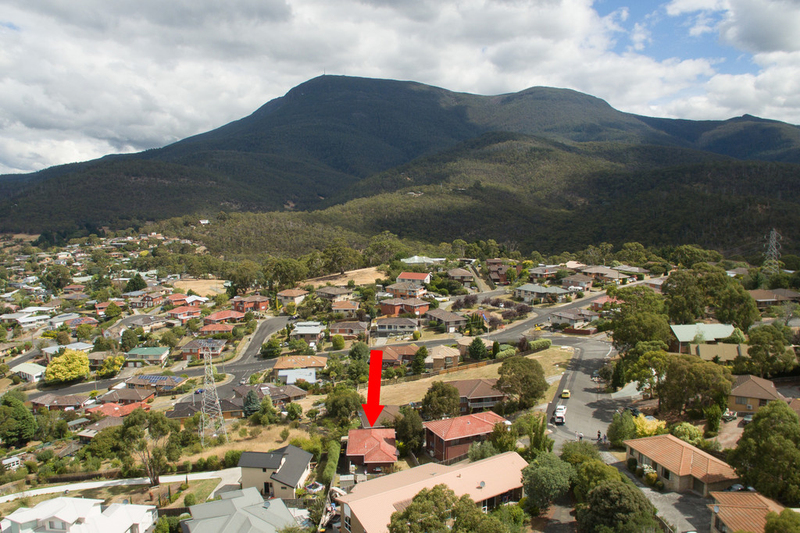 Photo - 2/53 Girrabong Road, Lenah Valley TAS 7008  - Image 3