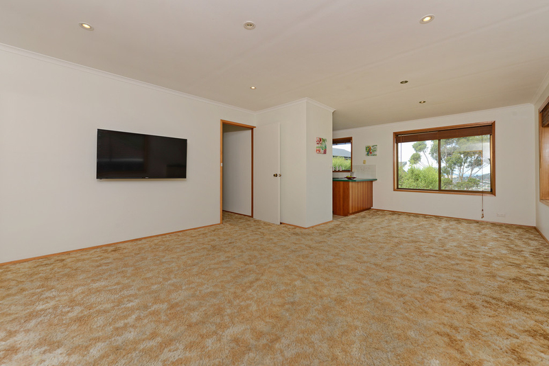 Photo - 2/53 Girrabong Road, Lenah Valley TAS 7008  - Image 4