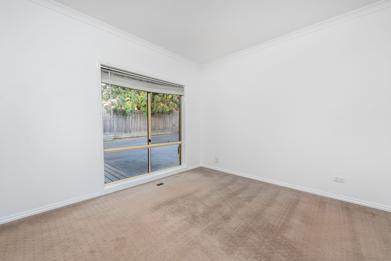 Photo - 2/55 Delta Road, Greensborough VIC 3088  - Image 7
