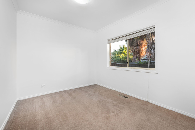 Photo - 2/55 Delta Road, Greensborough VIC 3088  - Image 11