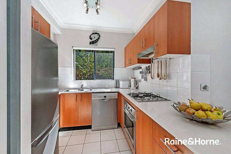 Photo - 2/56-58 Old Pittwater Road, Brookvale NSW 2100  - Image 3