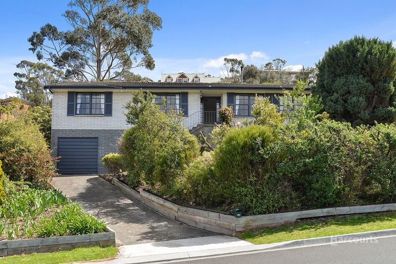 26 Coolamon Road, Taroona TAS 7053