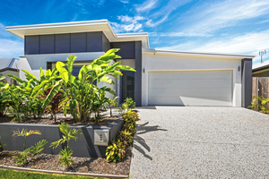 STUNNING NORTH FACING HOME IN EXCELLENT LOCATION